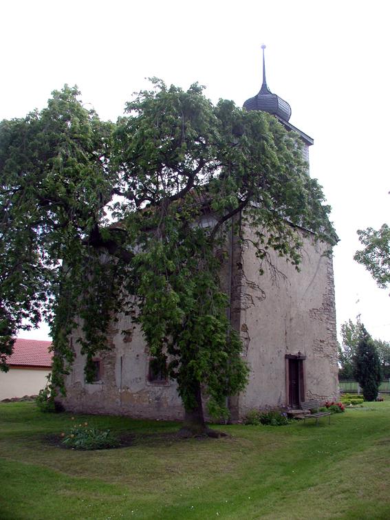 Dorfkirche in Wallichen vor der Renovierung