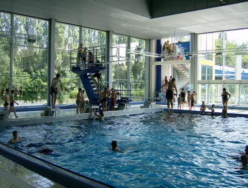 fitnessstudio bach palenberg schwimmbad wohndesign. Black Bedroom Furniture Sets. Home Design Ideas